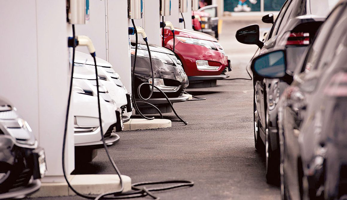Son Çıkan Elektrikli Araçlar ve Şarj İstasyonları Kullanımı